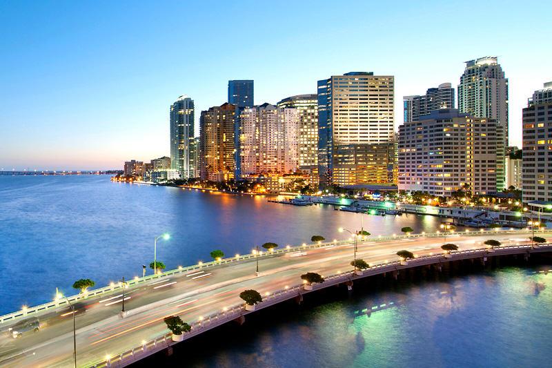 Latinoamericanos impulsan de forma imparable el mercado inmobiliario de Miami.